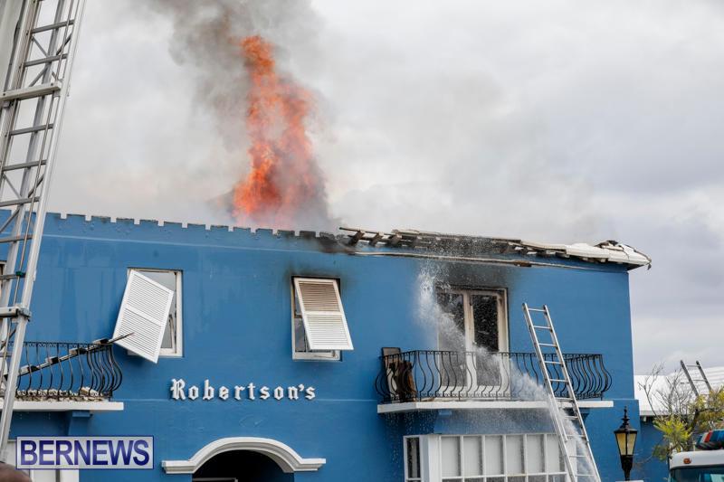 Robertson's-Drug-Store-Fire-Bermuda-September-2-2017_8446
