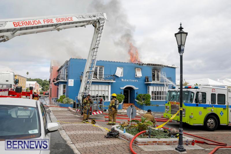 Robertson's-Drug-Store-Fire-Bermuda-September-2-2017_8454