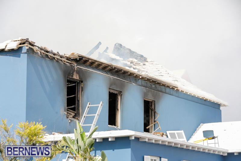 Robertson's-Drug-Store-Fire-Bermuda-September-2-2017_8633