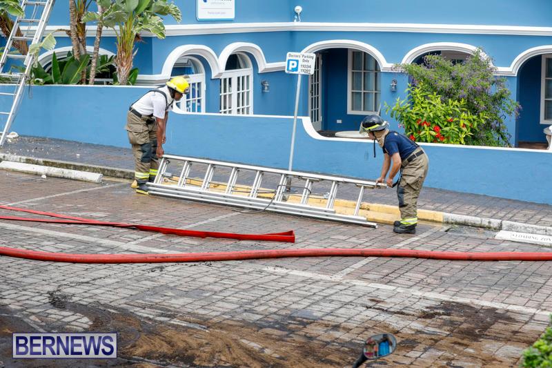 Robertson's-Drug-Store-Fire-Bermuda-September-2-2017_8644