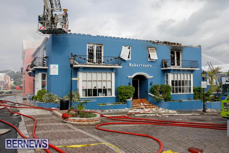 Robertson's-Drug-Store-Fire-Bermuda-September-2-2017_8683