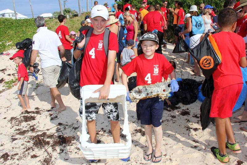 Saltus CleanUp at John Smith's Bay Bermuda Sept 2017 (4)
