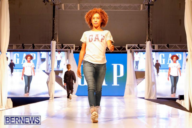 Bermuda-Fashion-Festival-Evolution-Retail-Show-H-October-29-2017_1699