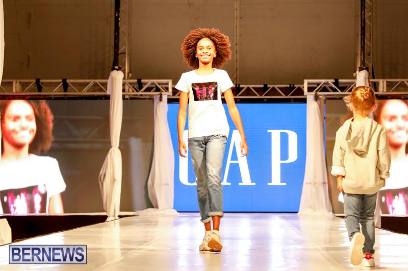 Bermuda-Fashion-Festival-Evolution-Retail-Show-H-October-29-2017_1745