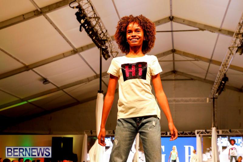 Bermuda-Fashion-Festival-Evolution-Retail-Show-H-October-29-2017_1751
