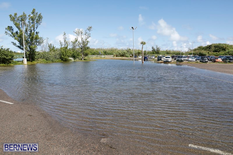 Flooding at airport long term parking, Oct 8 2017 (1)