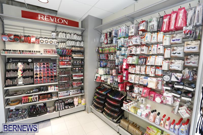 Robertson's-Drug-Store-Bermuda-Oct-17-2017-10