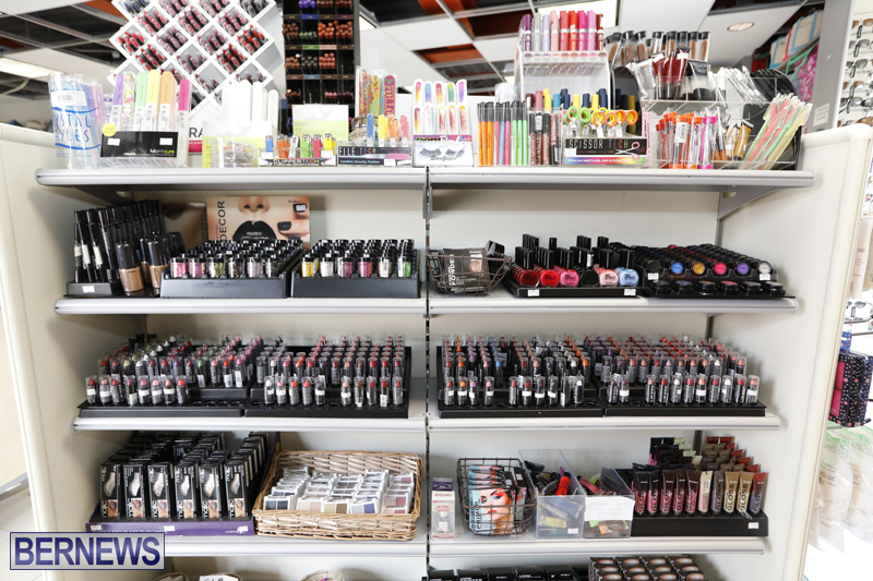 Robertson's-Drug-Store-Bermuda-Oct-17-2017-12