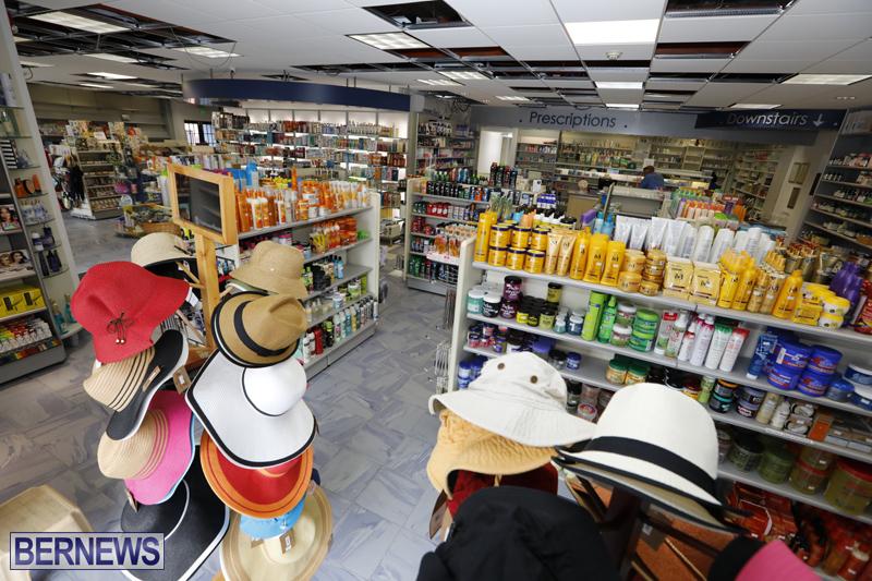 Robertson's-Drug-Store-Bermuda-Oct-17-2017-18