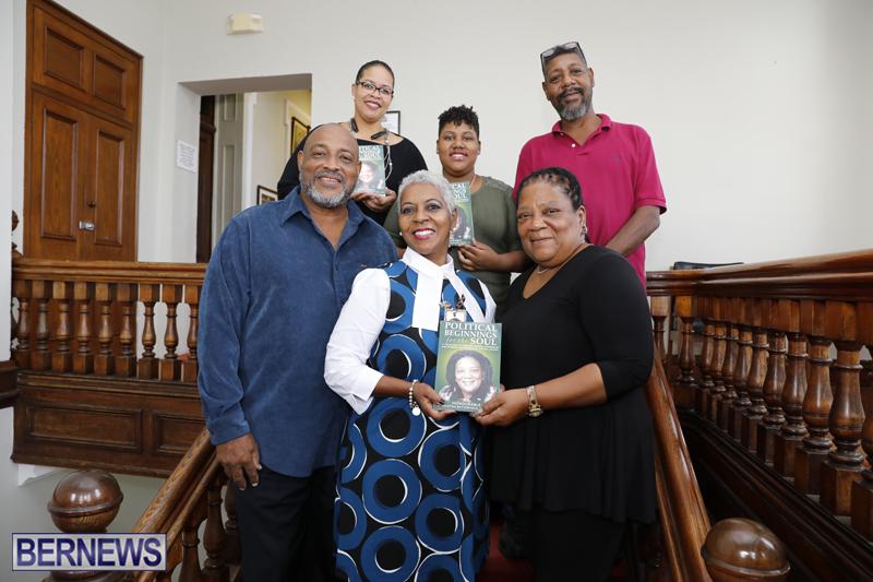Book-gifting-Bermuda-Nov-17-2017