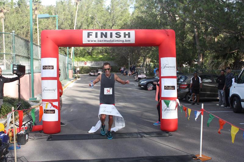 Goslings to Fairmont Southampton Road Race Runner Bermuda Nov 2017