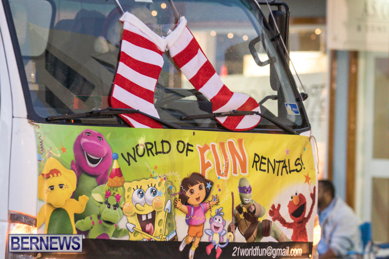 Marketplace-Christmas-Parade-Bermuda-November-26-2017_1344