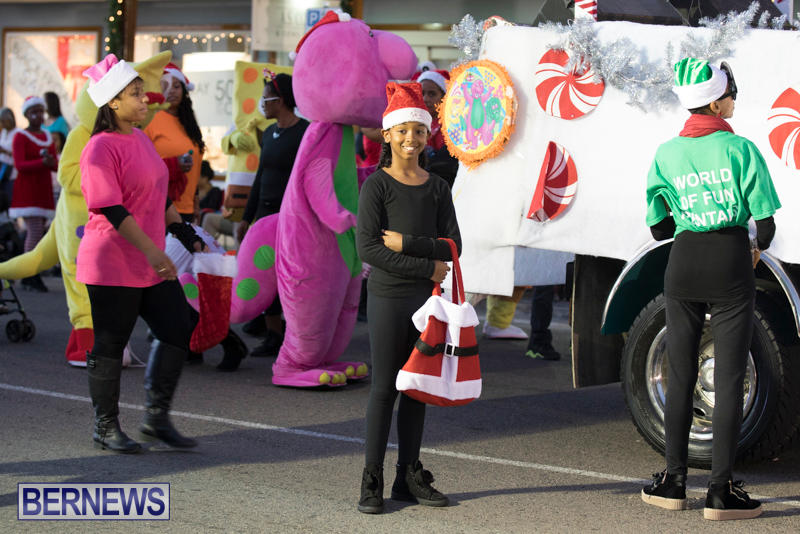 Marketplace-Christmas-Parade-Bermuda-November-26-2017_1357