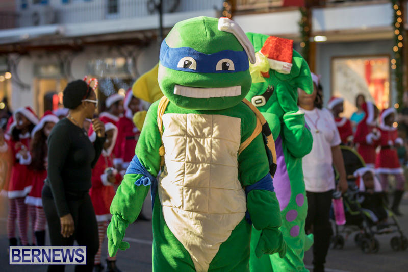 Marketplace-Christmas-Parade-Bermuda-November-26-2017_1375
