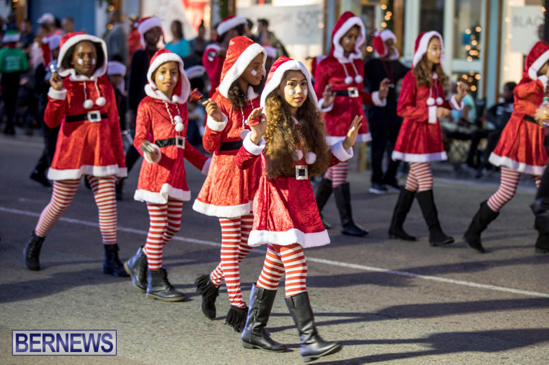 Marketplace-Christmas-Parade-Bermuda-November-26-2017_1407