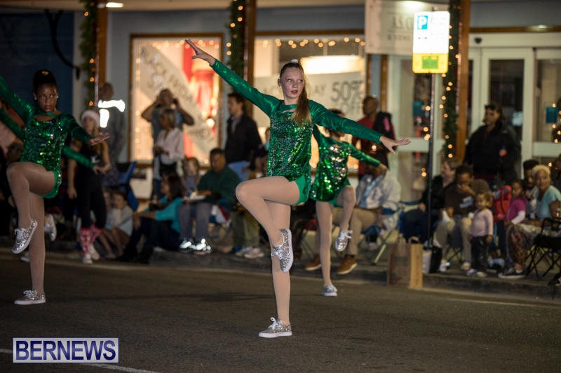 Marketplace-Christmas-Parade-Bermuda-November-26-2017_1631