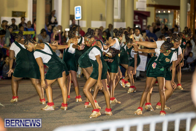 Marketplace-Christmas-Parade-Bermuda-November-26-2017_1681