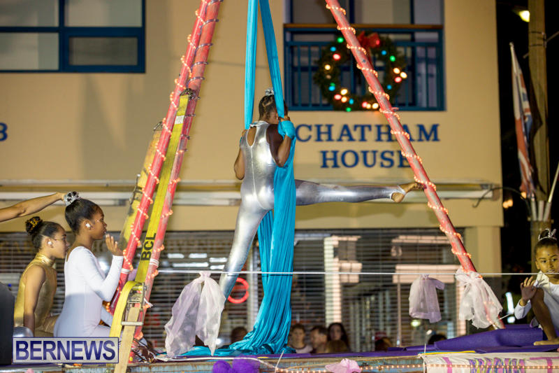 Marketplace-Christmas-Parade-Bermuda-November-26-2017_1713