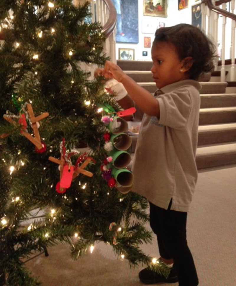 BNG Decorate the Christmas Tree (24)