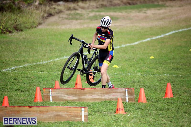 Bermuda-Cyclocross-Shelly-Bay-Field-Dec-3-2017-1