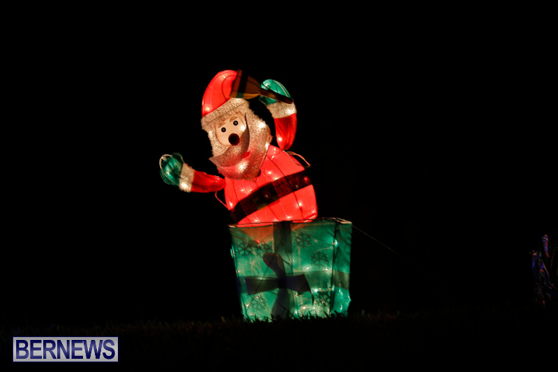 Flatts-Hill-Christmas-Decorations-Lights-Bermuda-December-20-2017-6709