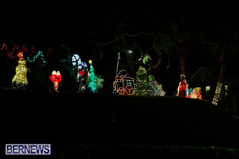 Flatts-Hill-Christmas-Decorations-Lights-Bermuda-December-20-2017-6725