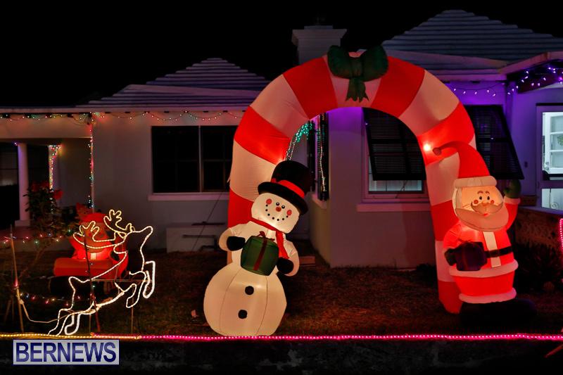 Flatts-North-Shore-Road-Christmas-Decorations-Lights-Bermuda-December-20-2017-6820