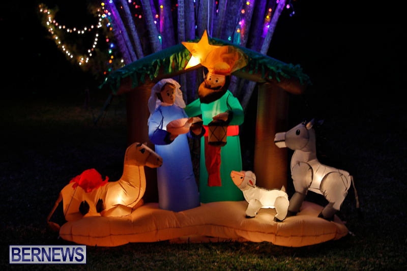Flatts-North-Shore-Road-Christmas-Decorations-Lights-Bermuda-December-20-2017-6824