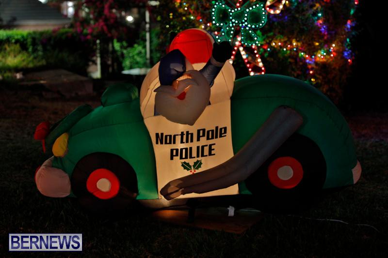 Flatts-North-Shore-Road-Christmas-Decorations-Lights-Bermuda-December-20-2017-6840