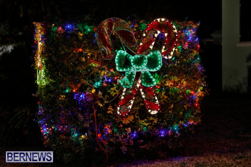 Flatts-North-Shore-Road-Christmas-Decorations-Lights-Bermuda-December-20-2017-6844