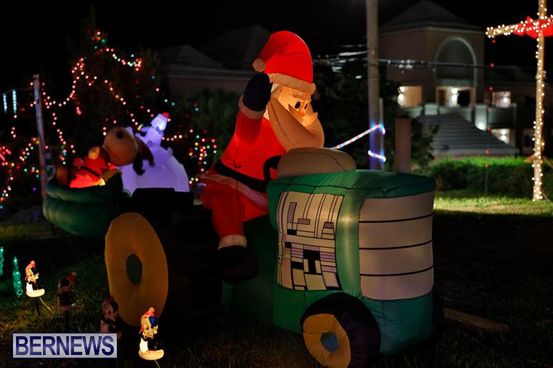 Flatts-North-Shore-Road-Christmas-Decorations-Lights-Bermuda-December-20-2017-6848