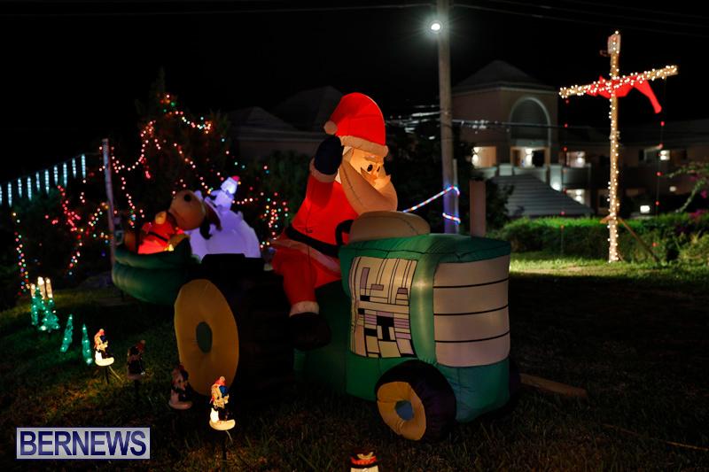 Flatts-North-Shore-Road-Christmas-Decorations-Lights-Bermuda-December-20-2017-6852