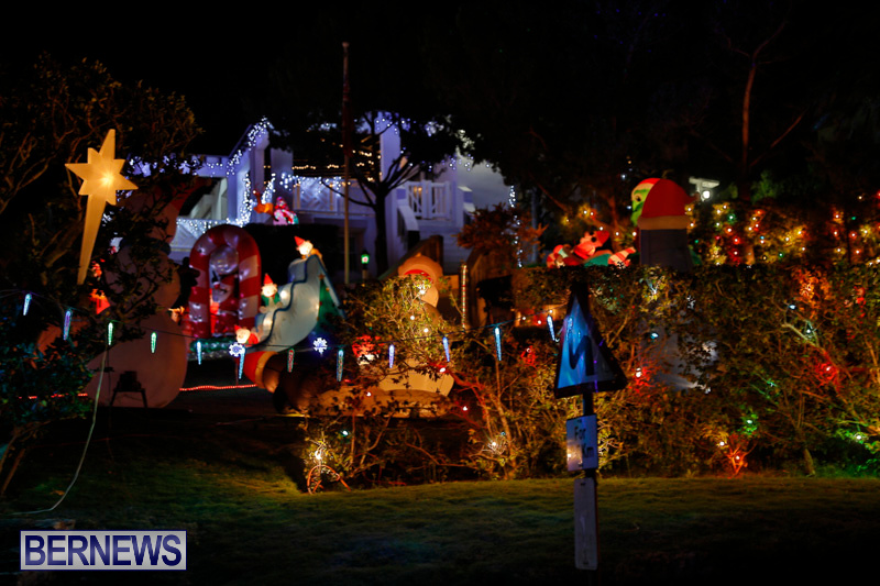 Flatts-North-Shore-Road-Christmas-Decorations-Lights-Bermuda-December-20-2017-6888