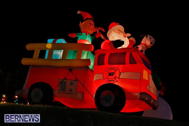Flatts-North-Shore-Road-Christmas-Decorations-Lights-Bermuda-December-20-2017-6900