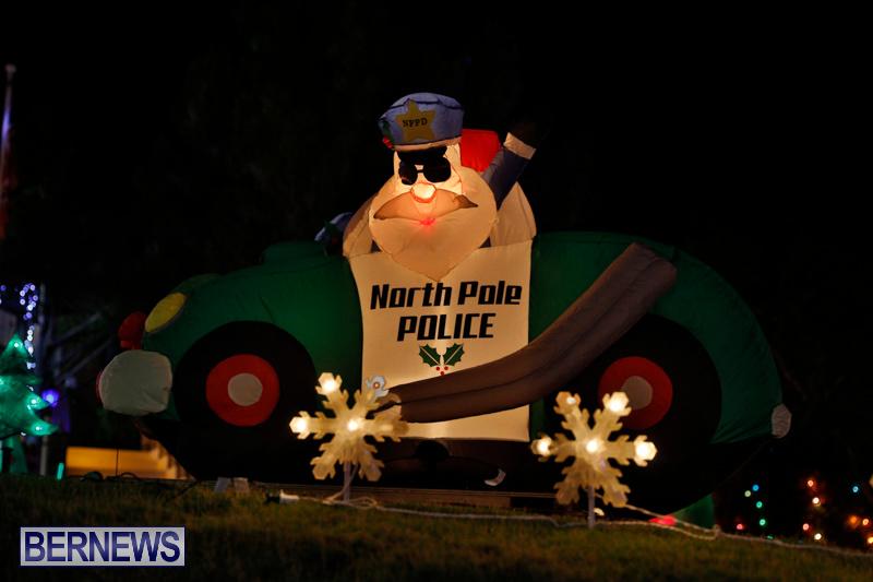 Flatts-North-Shore-Road-Christmas-Decorations-Lights-Bermuda-December-20-2017-6904