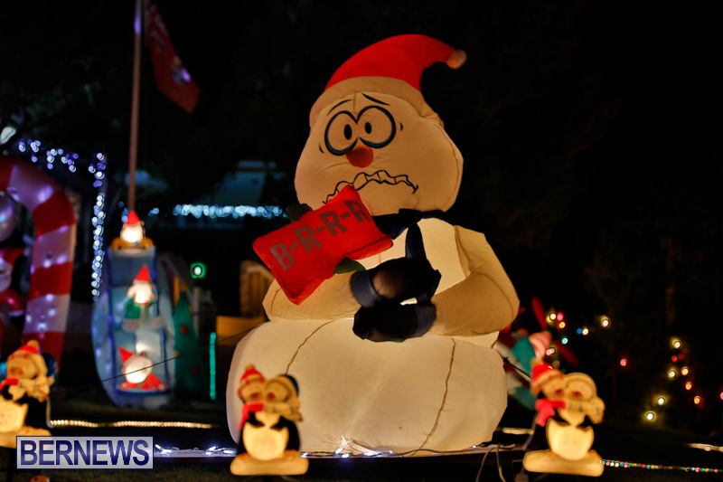 Flatts-North-Shore-Road-Christmas-Decorations-Lights-Bermuda-December-20-2017-6908