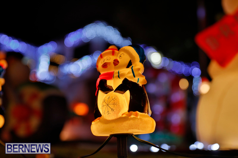 Flatts-North-Shore-Road-Christmas-Decorations-Lights-Bermuda-December-20-2017-6912