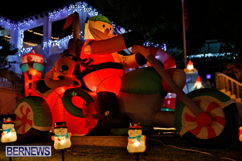 Flatts-North-Shore-Road-Christmas-Decorations-Lights-Bermuda-December-20-2017-6920