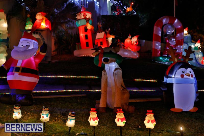 Flatts-North-Shore-Road-Christmas-Decorations-Lights-Bermuda-December-20-2017-6932