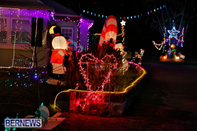 Flatts-North-Shore-Road-Christmas-Decorations-Lights-Bermuda-December-20-2017-6936