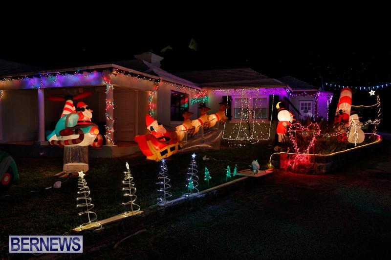 Flatts-North-Shore-Road-Christmas-Decorations-Lights-Bermuda-December-20-2017-6940