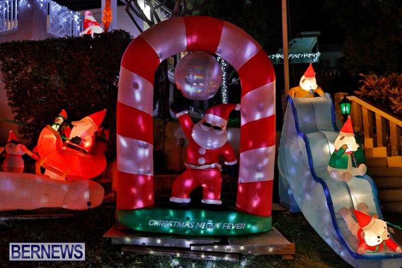 Flatts-North-Shore-Road-Christmas-Decorations-Lights-Bermuda-December-20-2017-6964