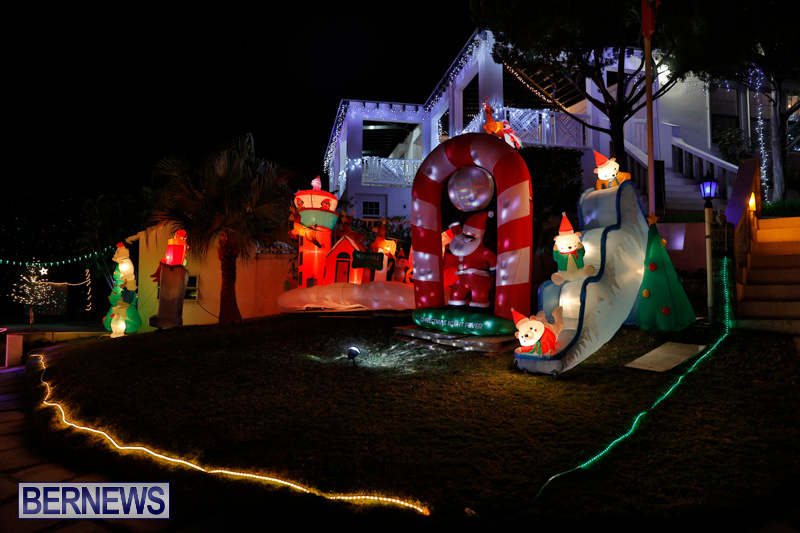Flatts-North-Shore-Road-Christmas-Decorations-Lights-Bermuda-December-20-2017-6976