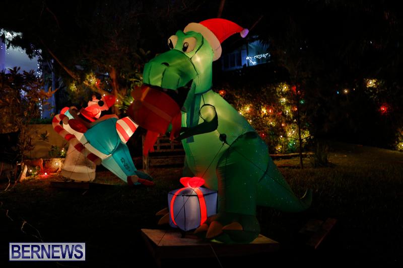 Flatts-North-Shore-Road-Christmas-Decorations-Lights-Bermuda-December-20-2017-6988