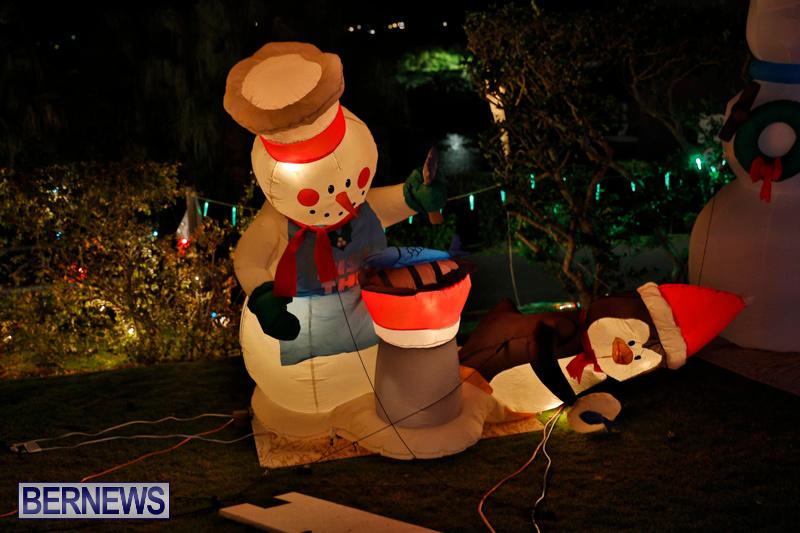 Flatts-North-Shore-Road-Christmas-Decorations-Lights-Bermuda-December-20-2017-7000