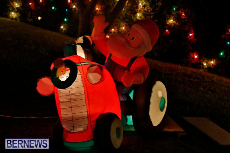 Flatts-North-Shore-Road-Christmas-Decorations-Lights-Bermuda-December-20-2017-7004