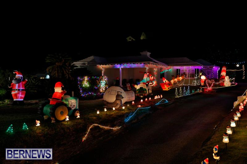 Flatts-North-Shore-Road-Christmas-Decorations-Lights-Bermuda-December-20-2017-7012