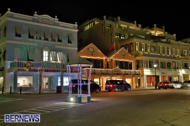 Hamilton-Storefronts-Christmas-Decorations-Lights-Bermuda-December-22-2017-7578