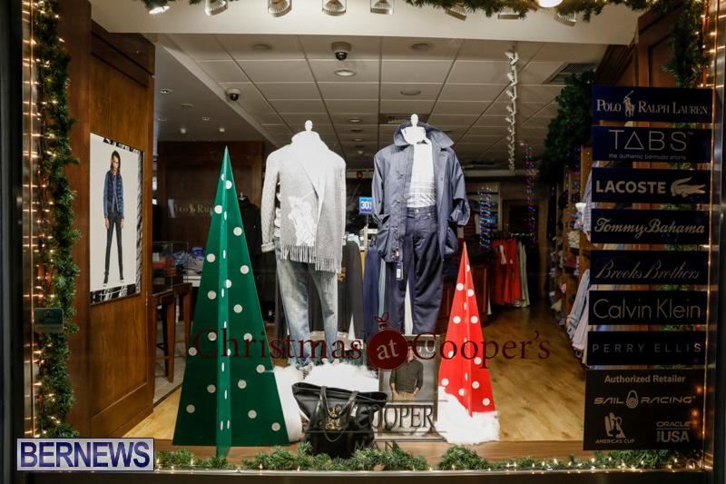 Hamilton-Storefronts-Christmas-Decorations-Lights-Bermuda-December-22-2017-7605