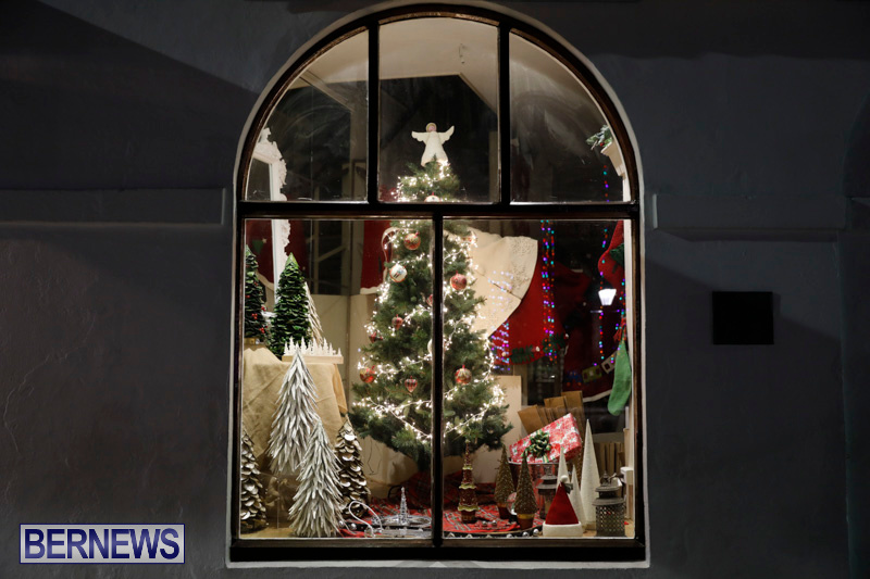 Hamilton-Storefronts-Christmas-Decorations-Lights-Bermuda-December-22-2017-7608